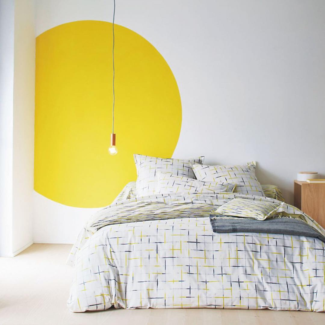 styling_hygge_interior_paint_yellow_circle