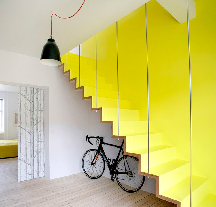 styling_hygge_interior_paint_yellow_stairs